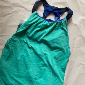 MOVING SALE! IVIVVA two-layer workout top EUC Sz 8